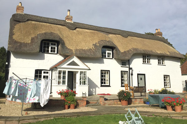 thatched-cottage-3